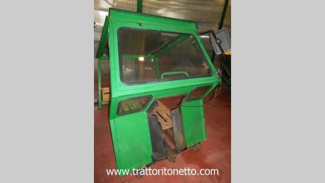 trattore usato Ferrari CABINA PER TRATTORE FERRARI