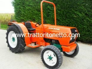 Trattori usati vendita usato trattore da frutteto vigneto for Forum trattori carraro